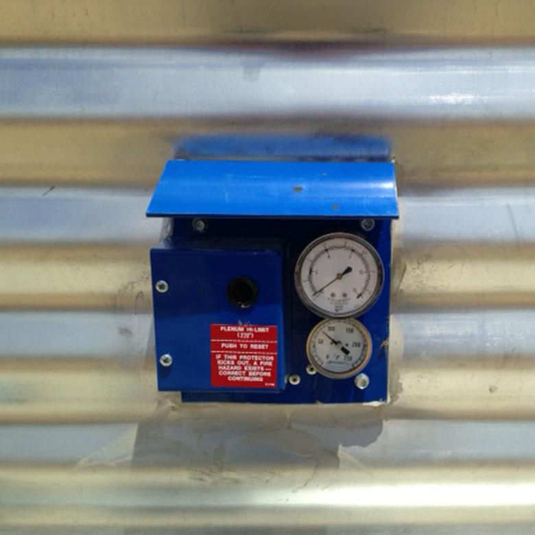 Static Pressure Gauge - Shivvers Manufacturing | Grain Dryers and